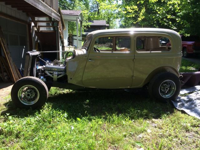 1934 ford two door sedan for 1934 ford four door