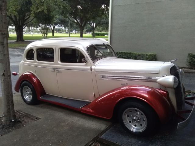 1936 dodge d2 4 door sedan restomod for 1936 dodge 4 door sedan