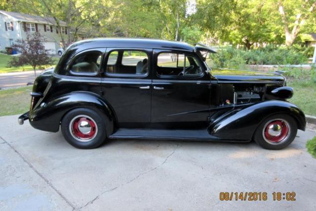 1937 chevy 4 door sedan street rod 454 bbc 700r4