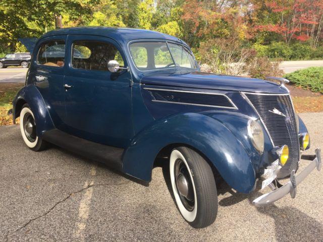 1937 ford 78 deluxe tudor 2 door for 1937 ford 2 door