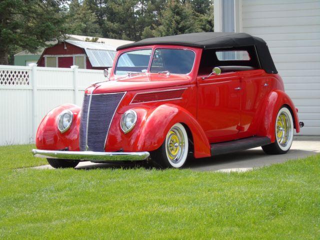 1937 ford four door sedan convertible steel street rod for 1937 ford 4 door sedan