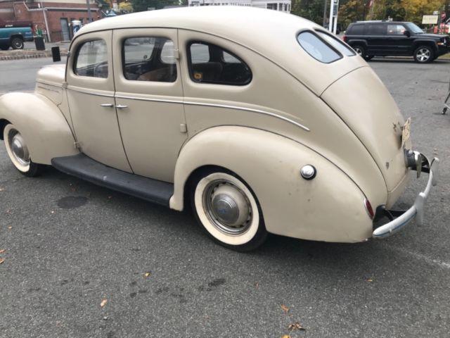 1939 ford deluxe 4 door sedan barn find survivor no for 1939 ford deluxe 4 door sedan