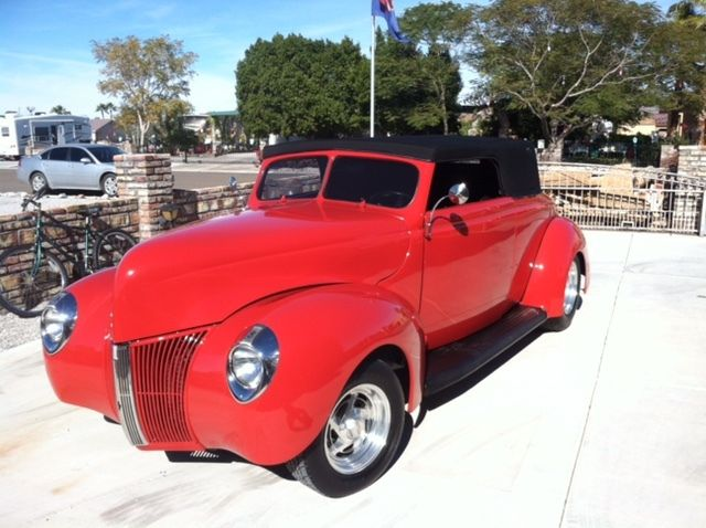 1940 Ford Convertible Hardtop - street rod