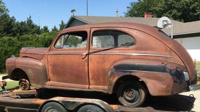 1941 ford 2 door sedan deluxe street rod project for 1941 ford super deluxe 4 door sedan
