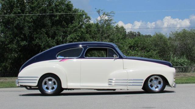 1947 chevrolet fleetline aero sedan nsra goodguys show winner. Black Bedroom Furniture Sets. Home Design Ideas