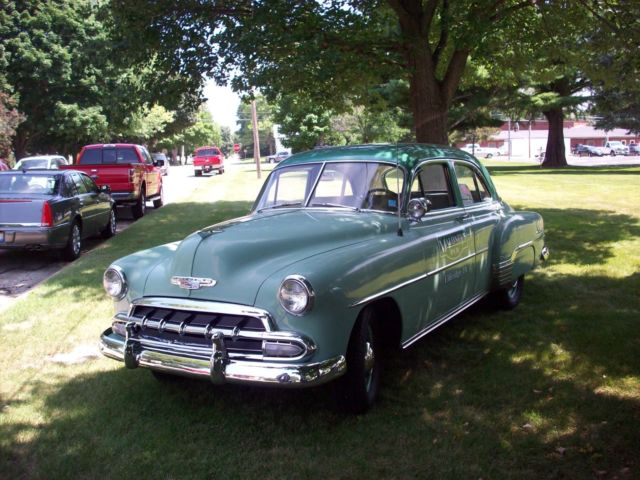 1952 chevrolet 4 door styleline deluxe for 1952 chevy 4 door