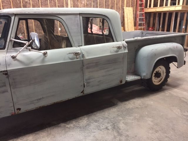 dodge  door step  short box pickup truck