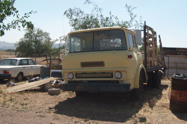 1966 Gmc Coe Cabover Flatbed Truck With Hydraulic Lift