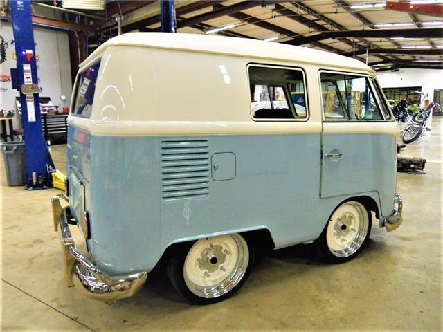 1966 volkswagen shorty bus vw kombi built by gas monkey for Garage volkswagen paris 13