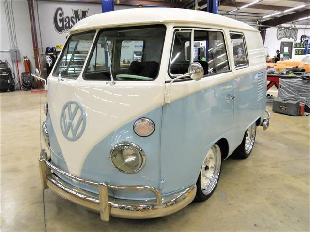 1966 volkswagen shorty bus vw kombi built by gas monkey garage on fast n 39 loud. Black Bedroom Furniture Sets. Home Design Ideas