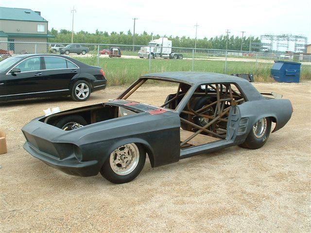 1967 ford mustang with new chrome moly tube chassis. Black Bedroom Furniture Sets. Home Design Ideas