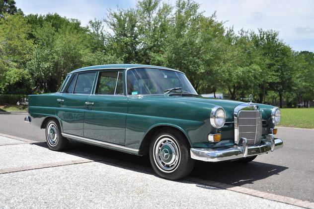 """Used Car Auctions >> 1967 Mercedes Benz 200-series W110 chassis 230 """"Heckflosse ..."""