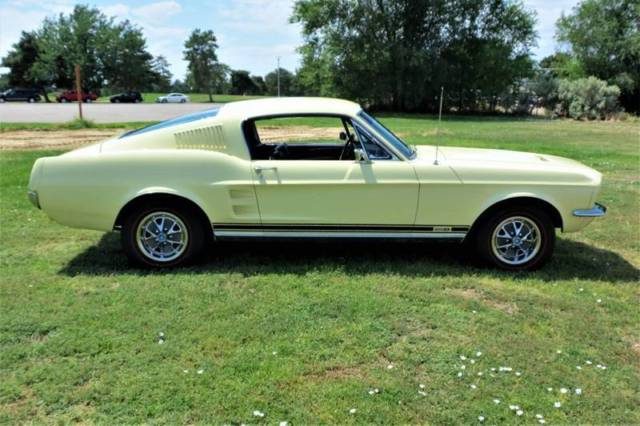 1967 Mustang Fastback Gt Equipment Springtime Yellow New