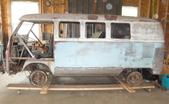 1967 volkswagen bus vw split window kombi for 1967 split window vw bus