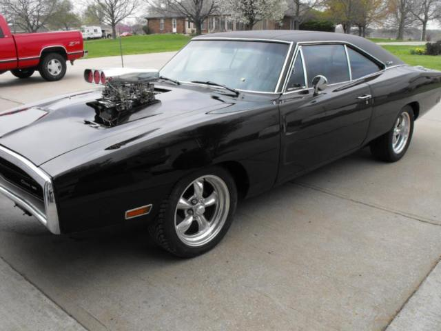 Dodge charger 1970 engine
