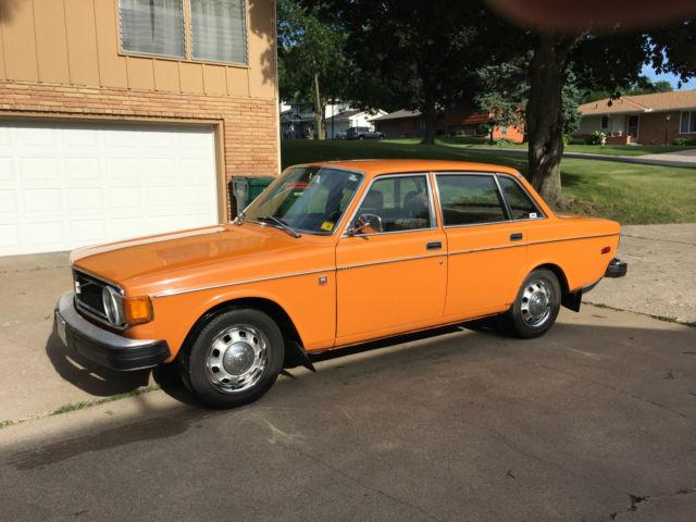 1974 Volvo 144 4-door sedan orange 140 142 145 240