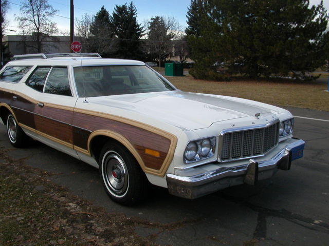 1976 Ford Gran Torino Squire Station Wagon 351 Country