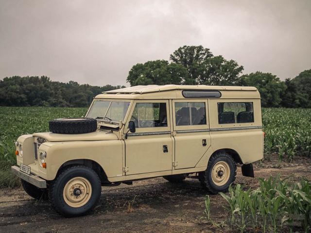 1978 Land Rover 109 Santana