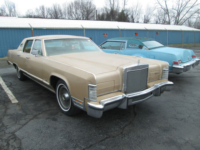 1979 LINCOLN CONTINENTAL TOWN CAR ONLY 92349 MILES NO