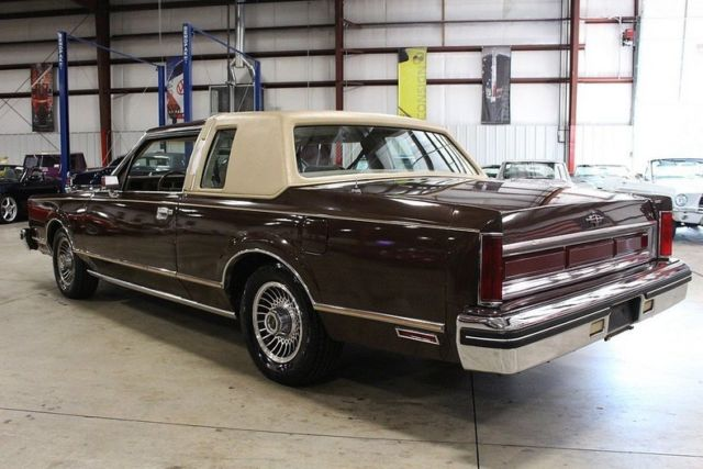 Used  Lincoln Town Car Sale