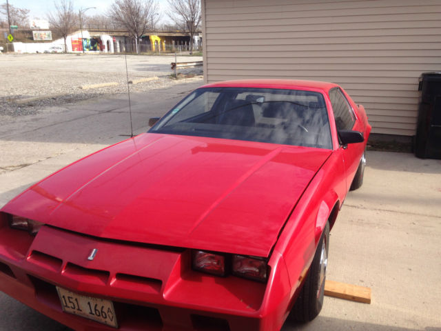 1983 chevrolet red camero 4 speed bucket seats 4 cyl 5 400 original miles. Black Bedroom Furniture Sets. Home Design Ideas