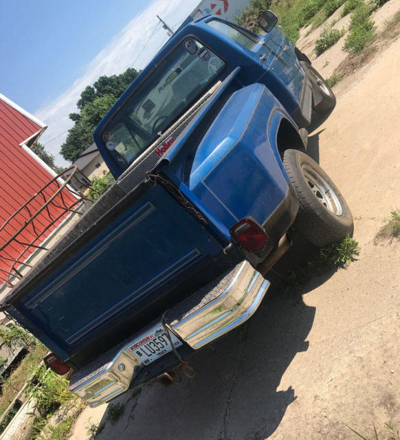 1983 Ford F150 4x4 Shortbox Stepside Pickup Truck