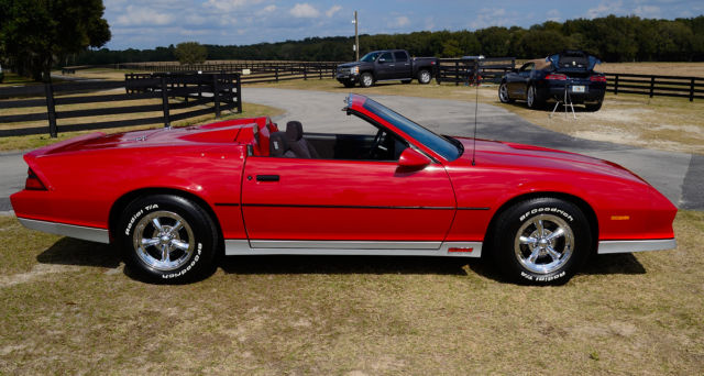 1984 camaro z28 two seater hartop convertible one of 200 made. Black Bedroom Furniture Sets. Home Design Ideas