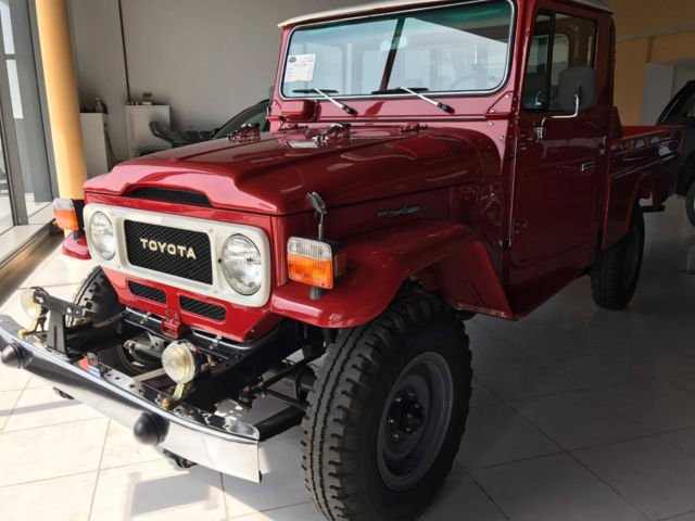 1984 toyota land cruiser fj45 pickup renovated all the pieces genuine new there. Black Bedroom Furniture Sets. Home Design Ideas