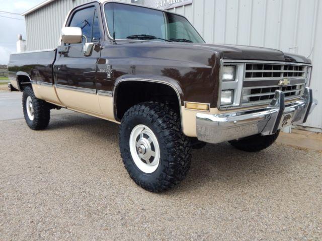 1985 Chevrolet K20 Silverado, 350 V-8, 4x4, Lifted, Rust Free Truck!