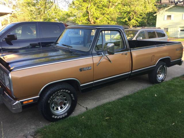 1985 Dodge D150 Prospector