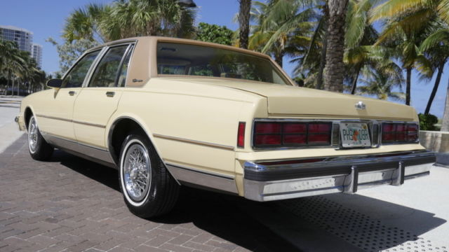 1986 cherolet caprice classic brougham 14 000 miles box chevy. Black Bedroom Furniture Sets. Home Design Ideas