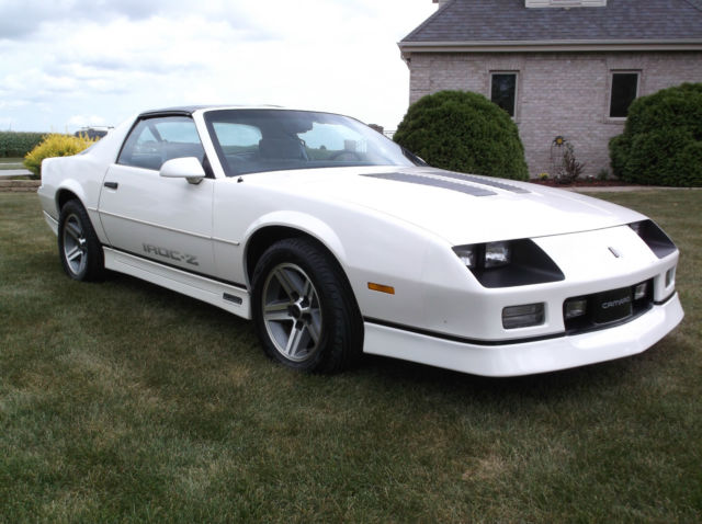 1986 chevrolet iroc z28 classic show car still looks. Black Bedroom Furniture Sets. Home Design Ideas
