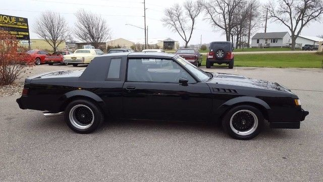 1987 buick grand national gnx very clean trades. Black Bedroom Furniture Sets. Home Design Ideas