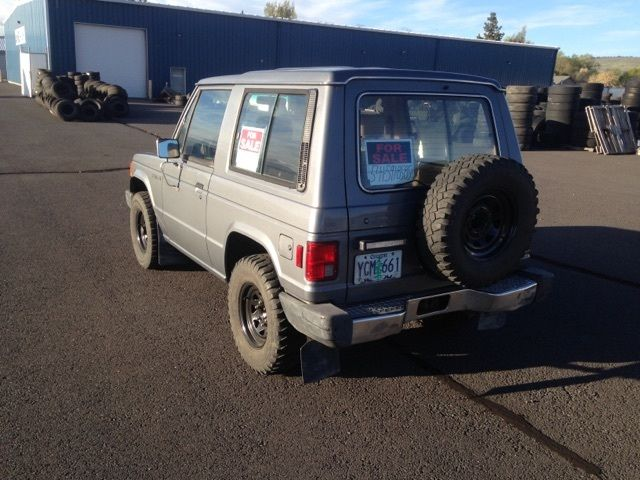 1988 Mitsubishi montero/dodge raider rare 2door with automatic ,runs and drives