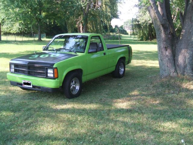 1989 Dodge Dakota V8 Roller! Set up for small block Mopar-318 340