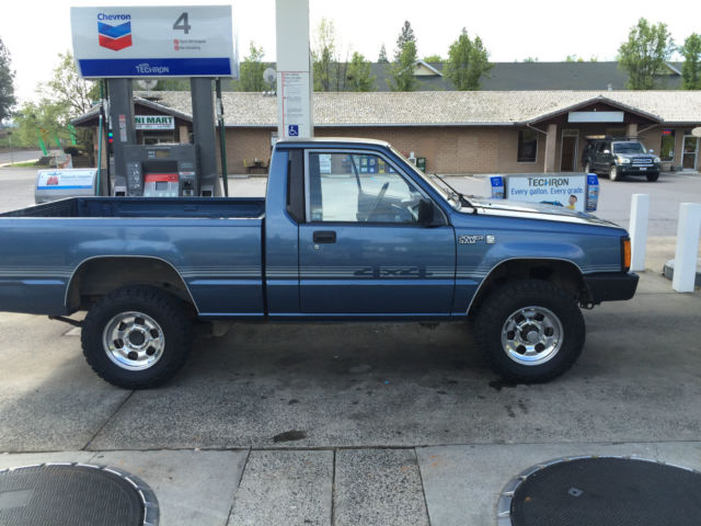 1989 Dodge Ram 50 4x4 2.6L 4 Cylinder 5 Speed Manual Transmission Rare
