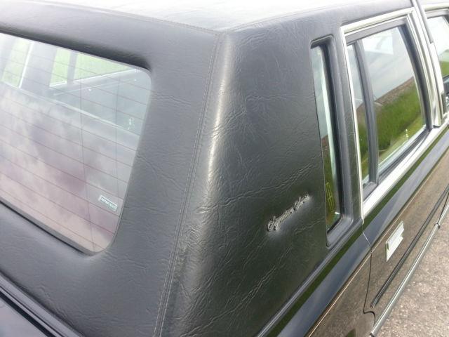 1989 lincoln town car signature sedan 4 door 5 0l. Black Bedroom Furniture Sets. Home Design Ideas
