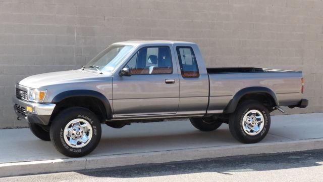 1990 toyota pickup sr5 4wd auto v6 160k miles one. Black Bedroom Furniture Sets. Home Design Ideas