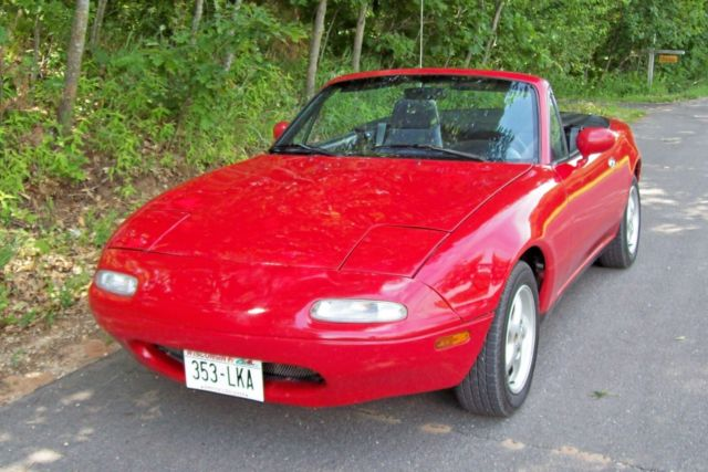 1991 mazda miata mx 5 convertible red with black top and interior. Black Bedroom Furniture Sets. Home Design Ideas