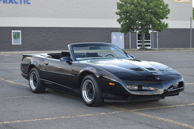 1991 pontiac firebird trans am convertible auto 9 481 miles. Black Bedroom Furniture Sets. Home Design Ideas