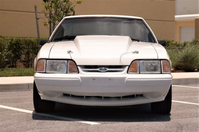 1992 FORD MUSTANG 50 LX 5SPD WHITERED NOTCHBACK RARE