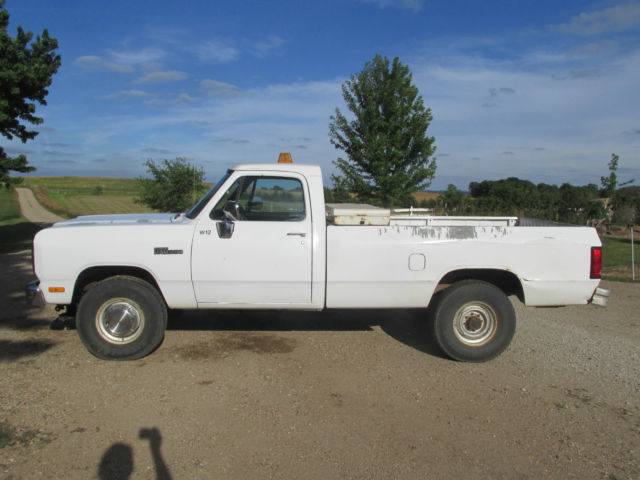 1993 dodge ram 2500 3 4 ton 4x4 with 7 39 6 western plow low miles. Black Bedroom Furniture Sets. Home Design Ideas