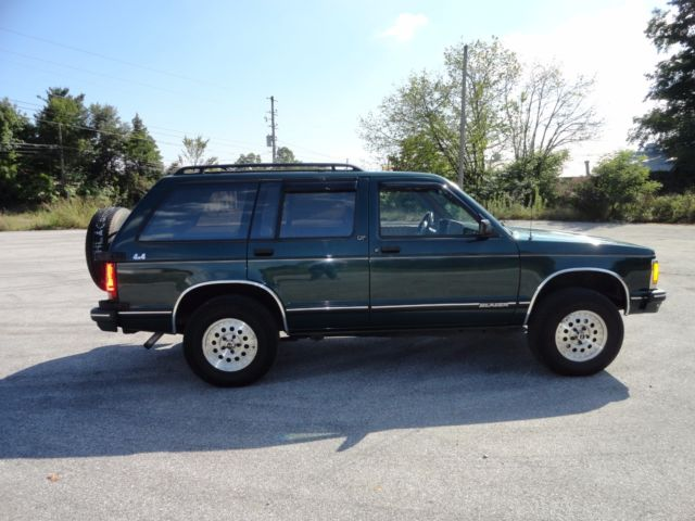 1994 chevy s10 blazer 4x4 lt loaded excellent condition must see. Black Bedroom Furniture Sets. Home Design Ideas