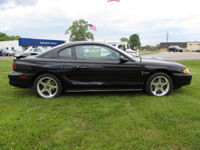 1994 mustang cobra svt 5 0 5 speed manual only 40 045 miles black with black. Black Bedroom Furniture Sets. Home Design Ideas