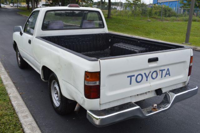 1994 Toyota Pickup 22re Engine 5 Speed Cold A C High Bid