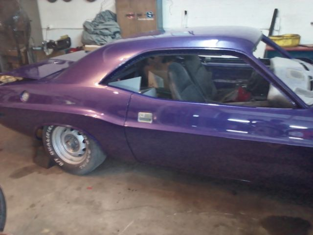 54513 70 Dodge Challenger Rt Se Factory Plumb Crazy And Rust Free furthermore 1973 Charger Wiring Diagram moreover 1951 Ford Vin Location in addition Sale likewise Sale. on vin number location on 1970 dodge challenger