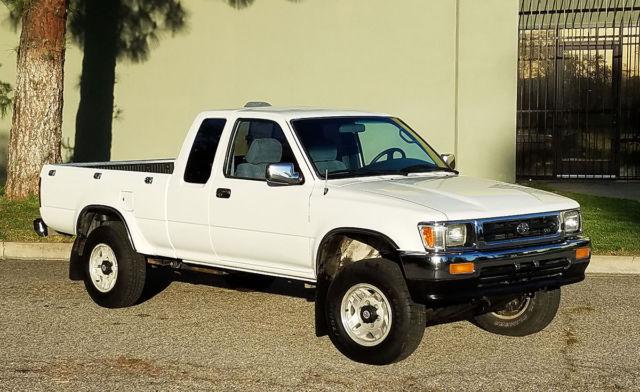 california original 1994 toyota sr5 pickup 4x4 xtra cab 6 cyl one owner a. Black Bedroom Furniture Sets. Home Design Ideas