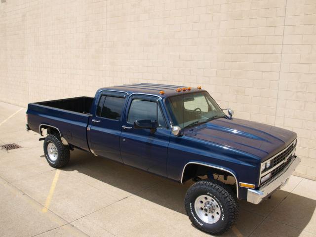 chevrolet v3500 1 ton crew cab 4x4 long bed pick up truck dana 60 500 pics. Black Bedroom Furniture Sets. Home Design Ideas