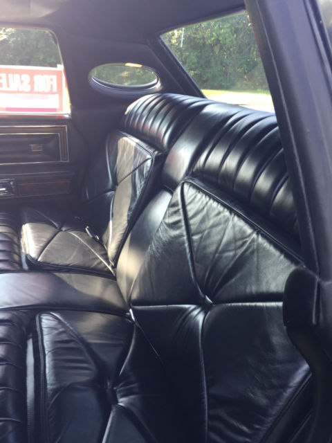 classic black on black 1979 lincoln town car. Black Bedroom Furniture Sets. Home Design Ideas