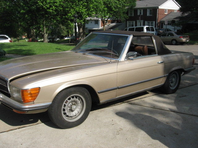 Historical 1973 mercedes benz 450sl deep sable convertible for Mercedes benz hardtop convertible